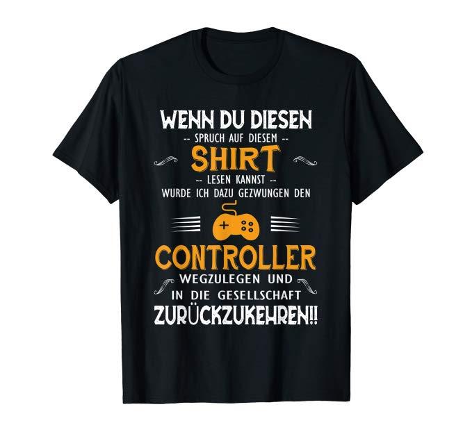 T-SHIRT GEZWUNGEN ZUM CONTROLLER WEGLEGEN